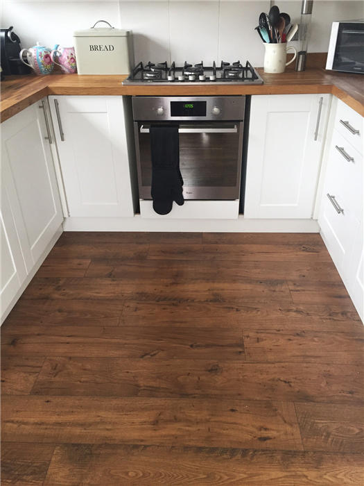 Quickstep perspective reclaimed chestnut antique ufw1543 for Quickstep flooring uk