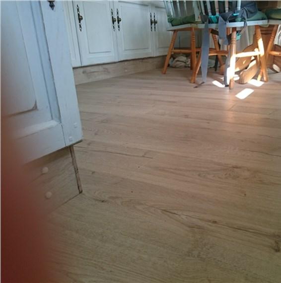 Quickstep impressive classic oak beige im1847 laminate for Quickstep flooring uk