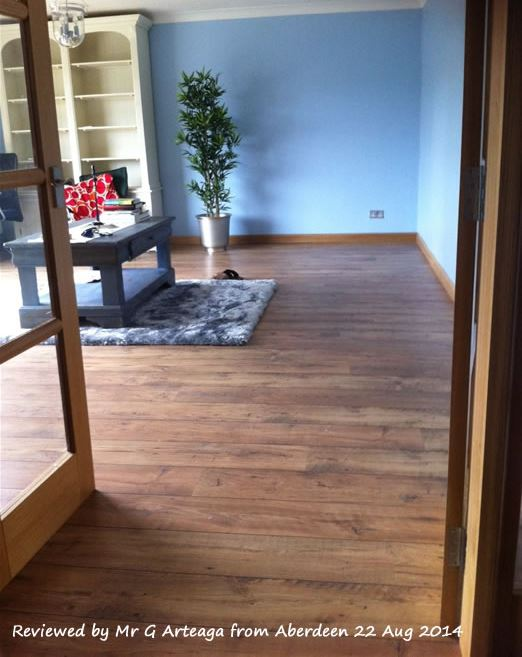 Quickstep Perspective Reclaimed Chestnut Natural ULW1541 Laminate Flooring