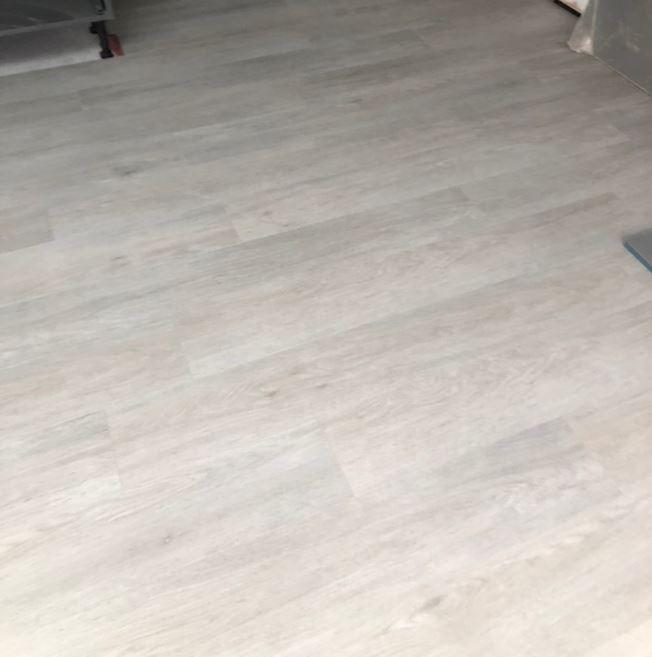 Quickstep Livyn Balance Silk Oak Light Vinyl Flooring