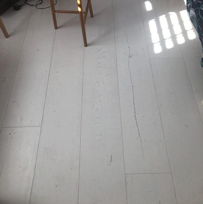 Quickstep Signature Painted Oak White SIG4753 Laminate Flooring