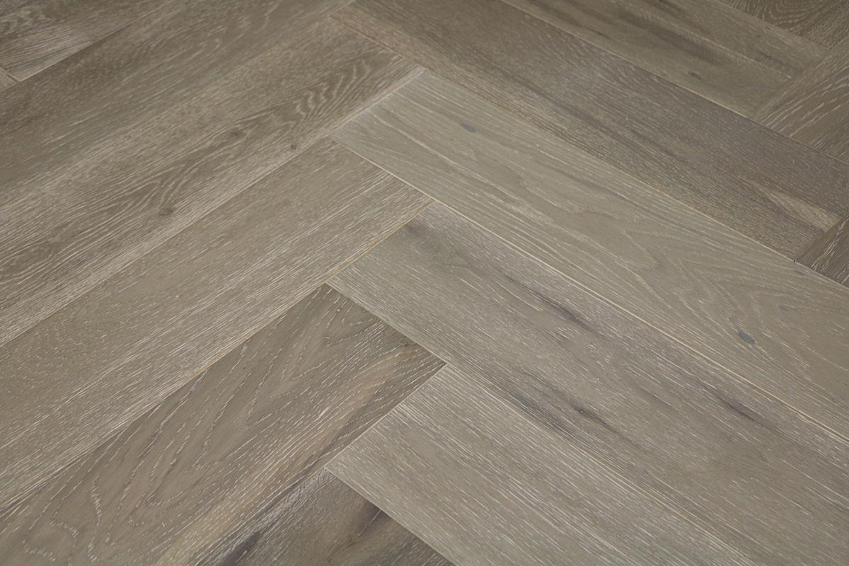 Natura oak clay grey herringbone engineered parquet - Parquet vinyl castorama ...
