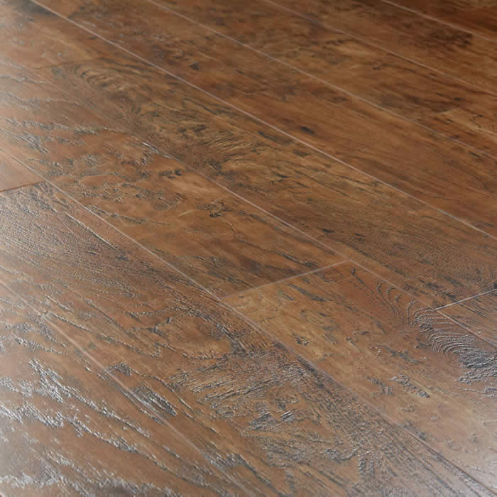 Discount laminate wood flooring style selections 12mm for Golden select flooring dealers
