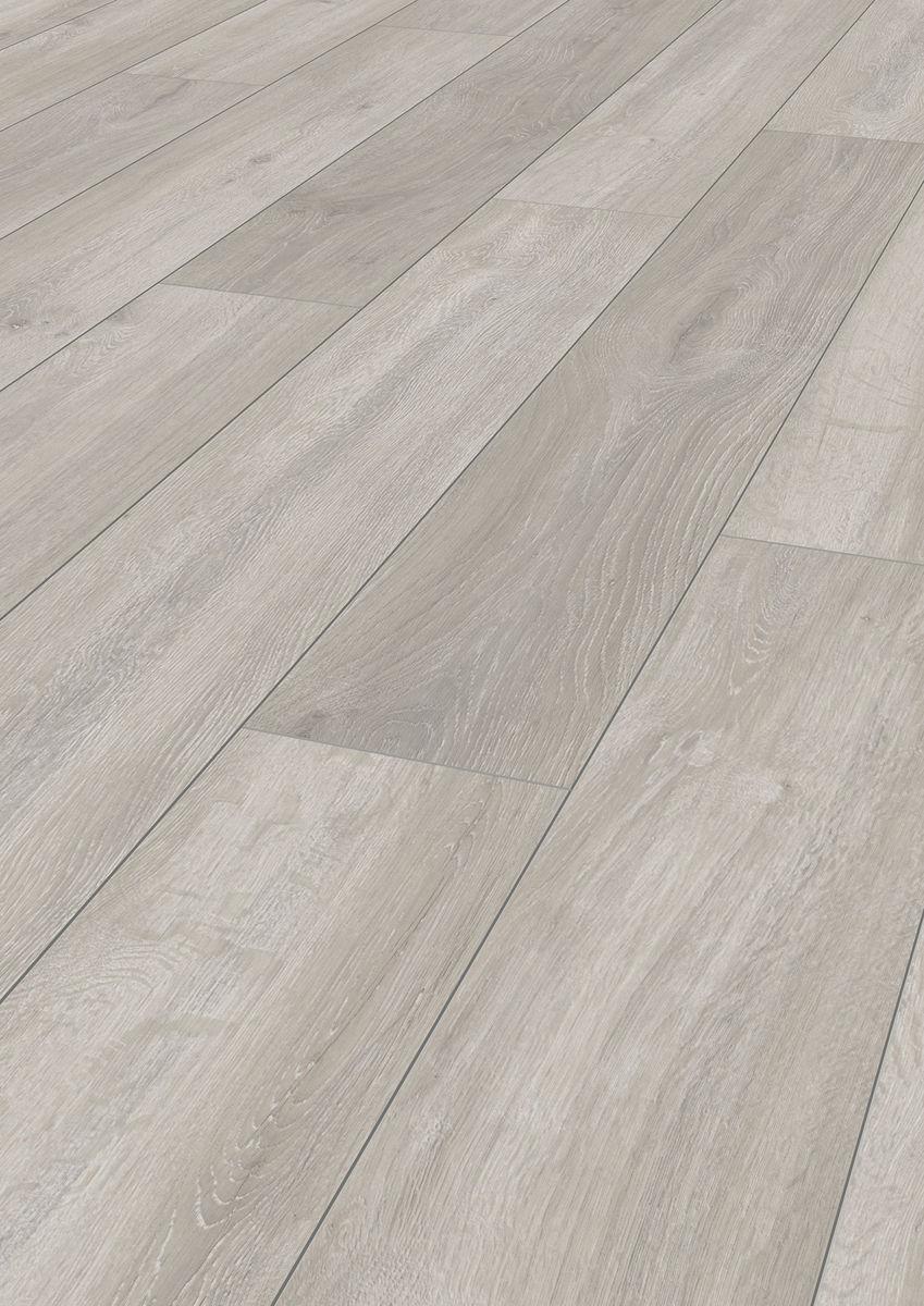 Kronospan vario plus 12mm rockford oak laminate flooring for Kronospan laminate flooring