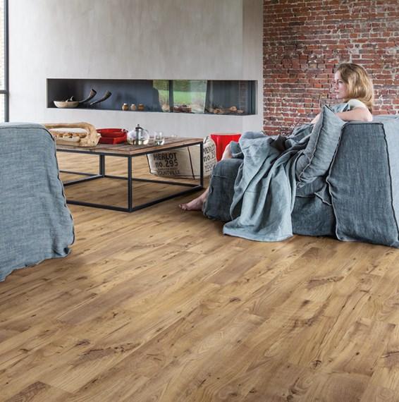 quickstep livyn balance plus vintage chestnut natural. Black Bedroom Furniture Sets. Home Design Ideas