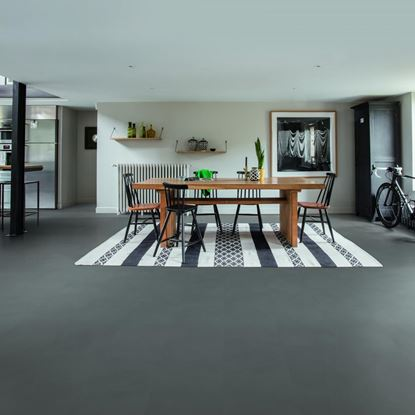 Quickstep Livyn Ambient Minimal Medium Grey Vinyl Flooring