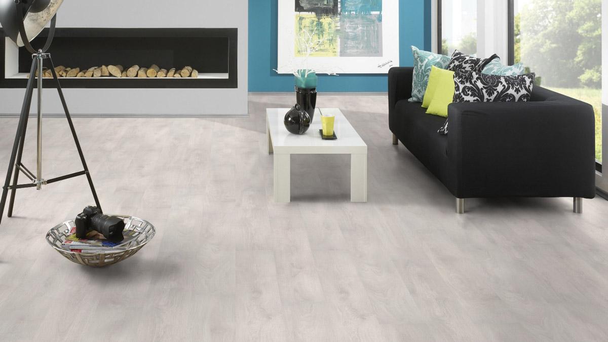 Kronospan supernatural 12mm aspen oak laminate flooring for Kronospan laminate flooring