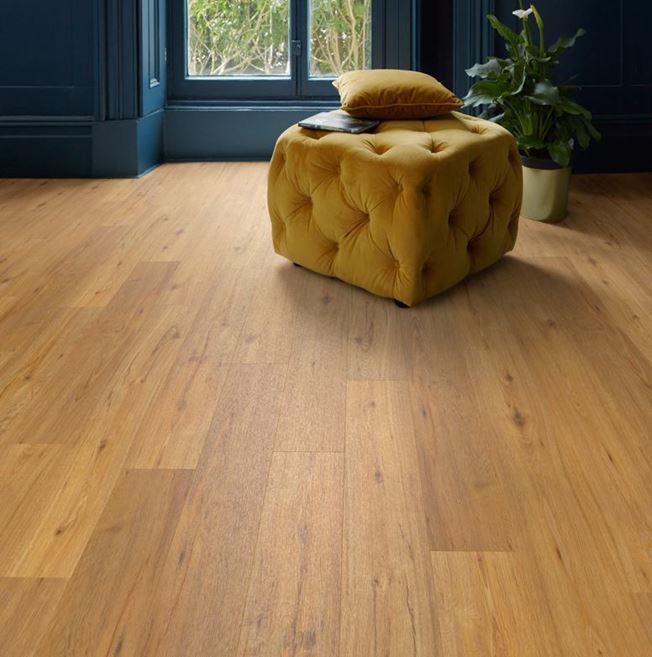 Polyflor Camaro Loc Rich Valley Oak Vinyl Flooring