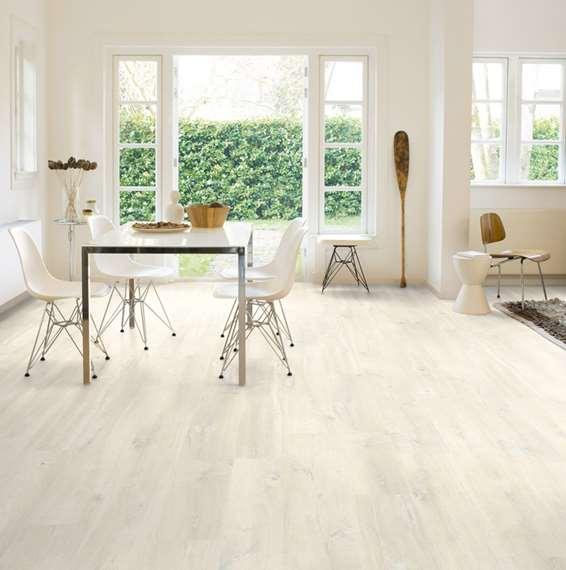 Quickstep creo charlotte oak white cr3178 laminate flooring for Quickstep flooring uk