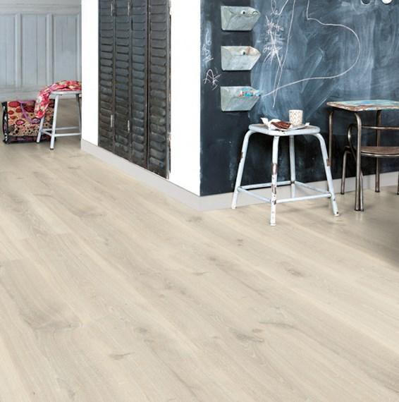 Quickstep creo tennessee oak grey cr3181 laminate flooring for Quickstep flooring uk