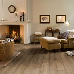 Quickstep Impressive Scraped Oak Grey Brown IM1850 Laminate Flooring
