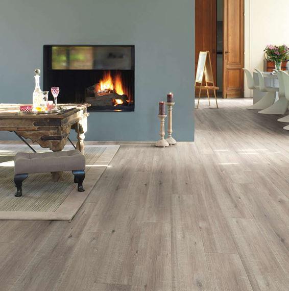 Quickstep Impressive Sawcut Oak Grey, Grey Laminate Flooring With Blue Walls