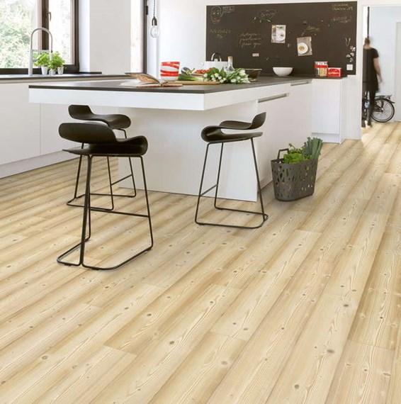 Quickstep impressive natural pine im1860 laminate flooring for Quickstep flooring uk