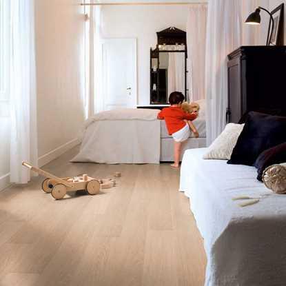 Quickstep Impressive White Varnished Oak IM3105 Laminate Flooring