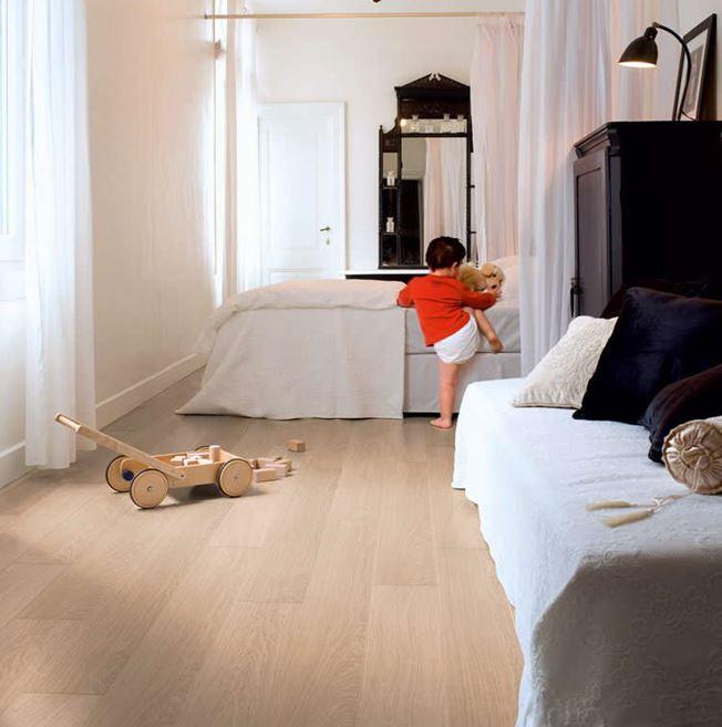 Quickstep Impressive Ultra White Varnished Oak IMU3105 Laminate Flooring