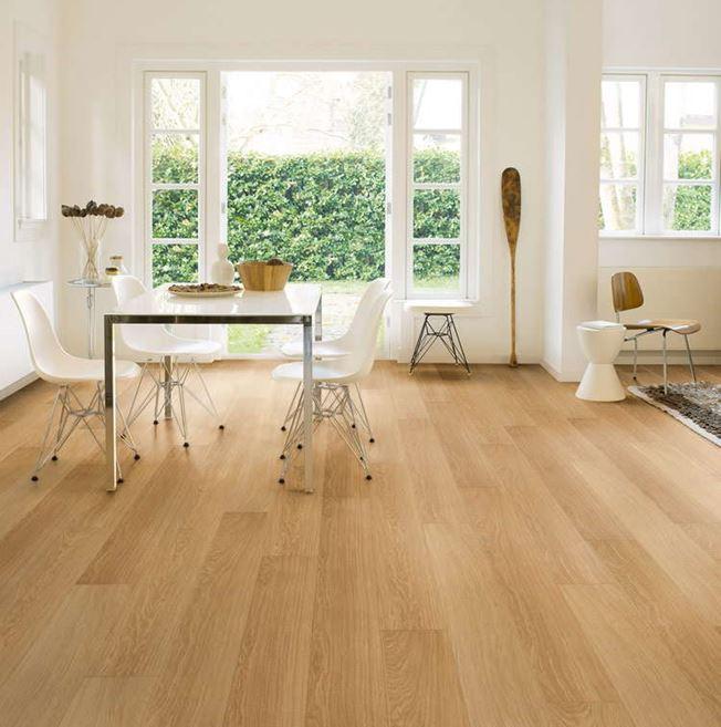 Quickstep Impressive Natural Varnished Oak IM3106 Laminate Flooring