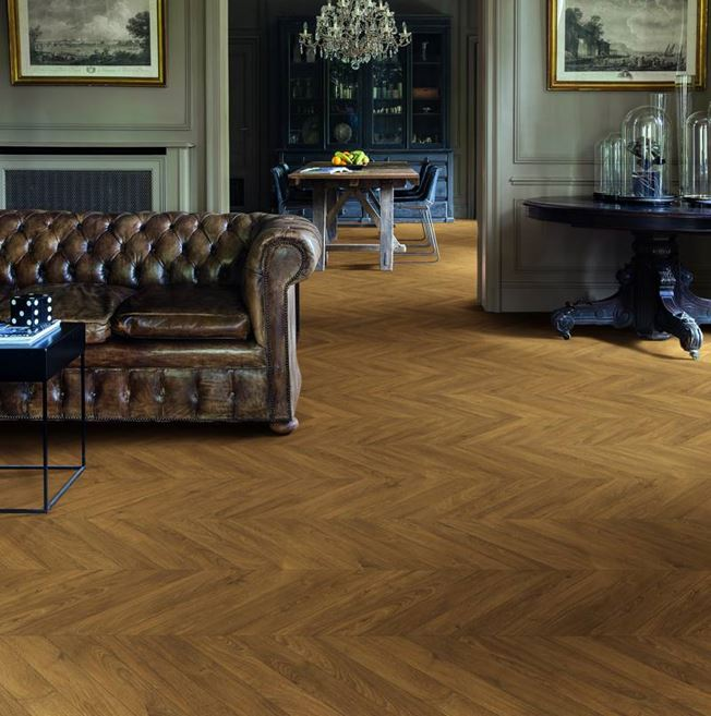 Quickstep Impressive Patterns Chevron Oak Brown IPA4162 Laminate Flooring