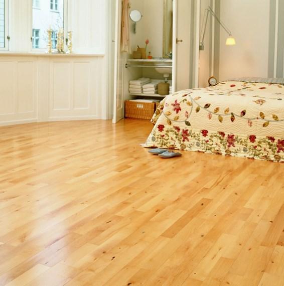 Junckers 14mm beech harmony solid wood flooring for Beech wood floors