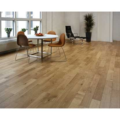 Junckers Oak Variation Solid Wood Flooring