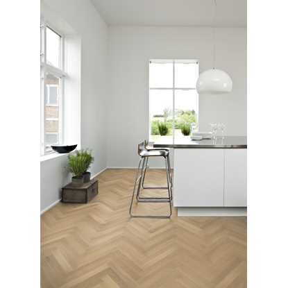 Kahrs Oak Herringbone AB White