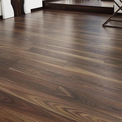 Laminate flooring laminate floors for Walnut laminate flooring