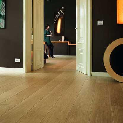 Quickstep Largo Natural Varnished Oak LPU1284 Laminate Flooring