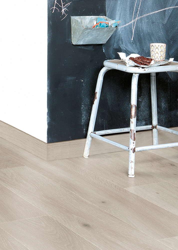 Quickstep largo long island oak light lpu1660 laminate for Quickstep flooring
