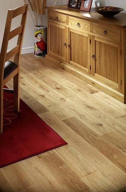 Natura 125mm Oak Lacquered Solid Wood Flooring