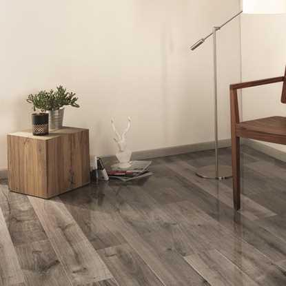 Kaindl Easy Touch Gloss Oak Uptown Laminate Flooring