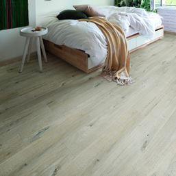 Quickstep Alpha Cotton Oak White Blush Vinyl Flooring