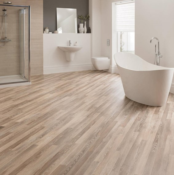 Karndean da vinci limed linen oak rp98 vinyl flooring for Plastic bathroom flooring