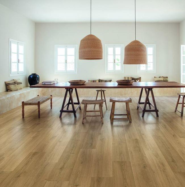 Quickstep Signature Brushed Oak Warm Natural SIG4762 Laminate Flooring