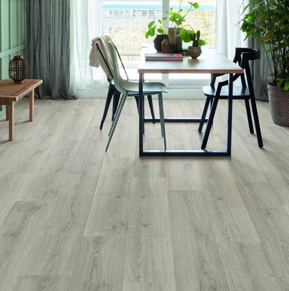 Quickstep Signature Brushed Oak Grey, Who Makes Quick Step Laminate Flooring