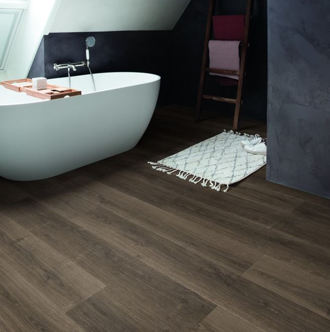 Quickstep Signature Brushed Oak Brown SIG4766 Laminate Flooring
