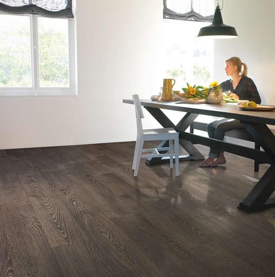 Quickstep elite old grey oak ue1388 laminate flooring for Quickstep flooring uk