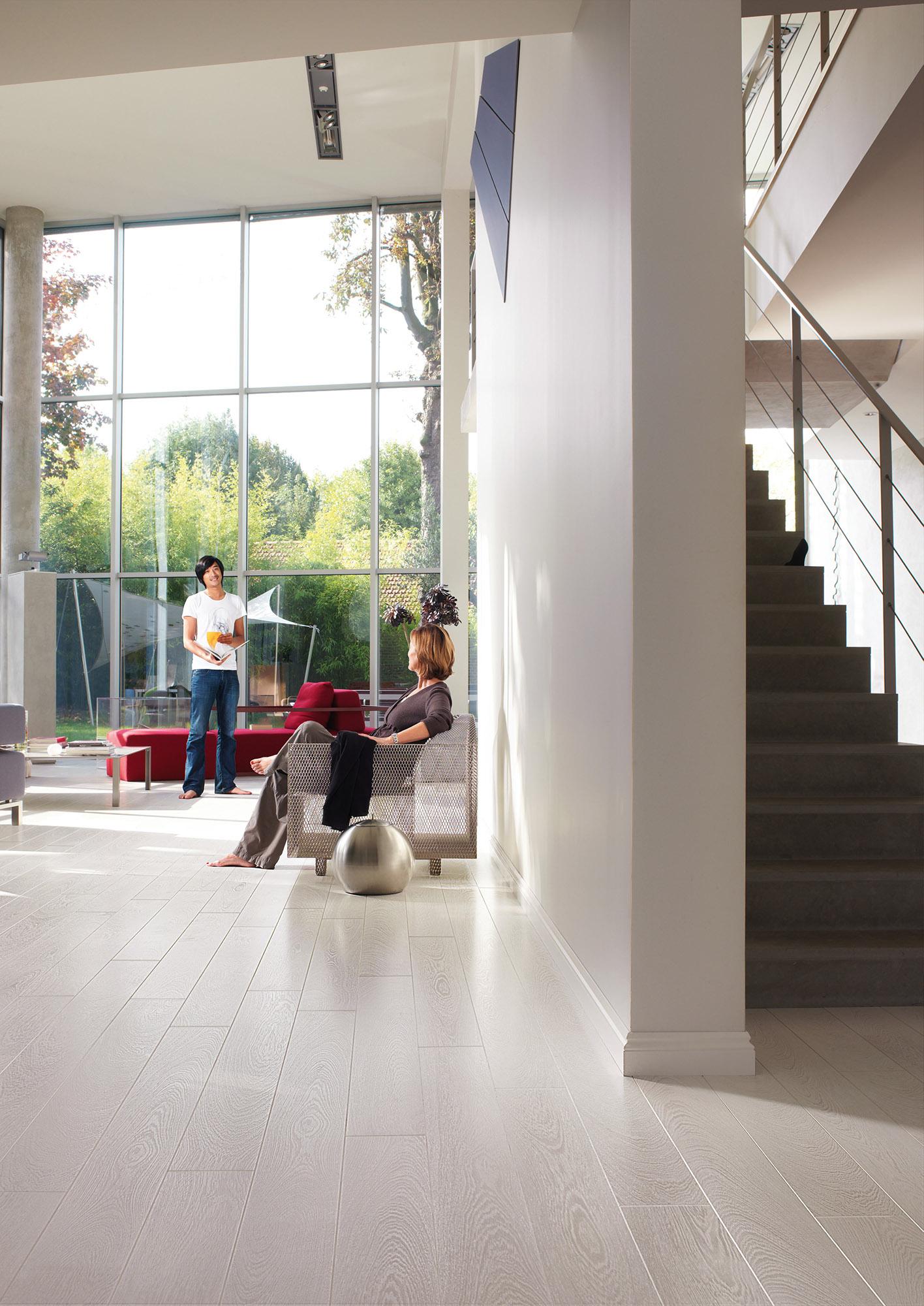 Quickstep perspective wenge passionata uf1300 laminate for Quickstep flooring uk