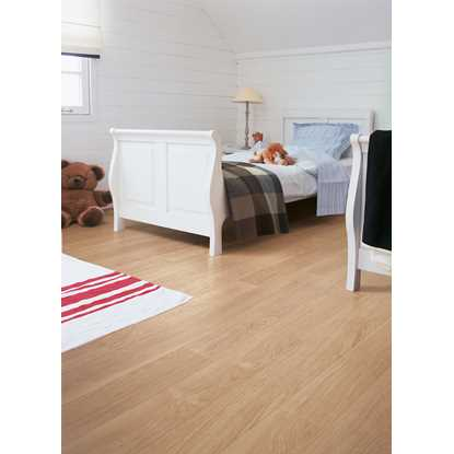 Quickstep Perspective White Varnished Oak