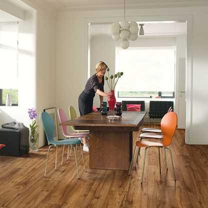 Quickstep Perspective Reclaimed Chestnut Antique UFW1543 Laminate Flooring