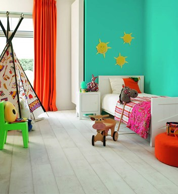 Quickstep Bleached White Teak effect Classic Laminate Flooring