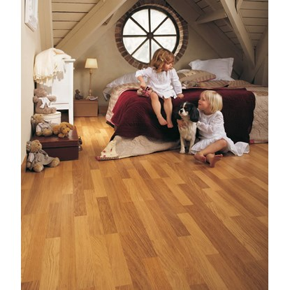 Quickstep Classic Enhanced Oak Natural CL998 Laminate Flooring