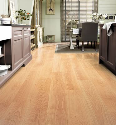 Quickstep Perspective Varnished Beech Planks UF866 Laminate Flooring
