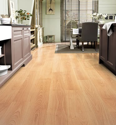 Quickstep Perspective Varnished Beech Planks Uf866