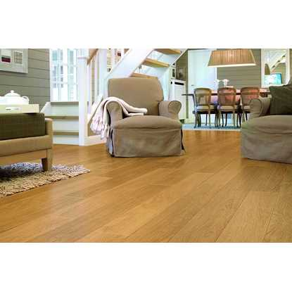 Quickstep Perspective Natural Varnished Oak