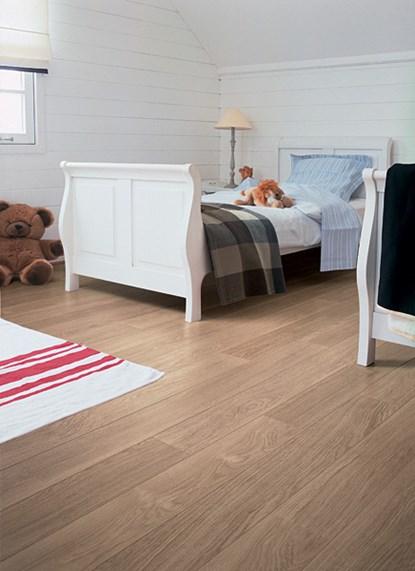 Quickstep Eligna White Varnished Oak U915 Laminate Flooring