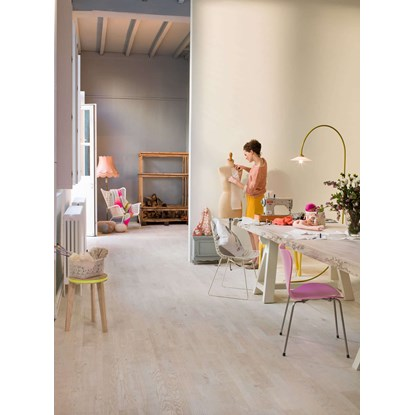 Quickstep Variano Painted White Oak Oiled VAR1629S Engineered Wood Flooring