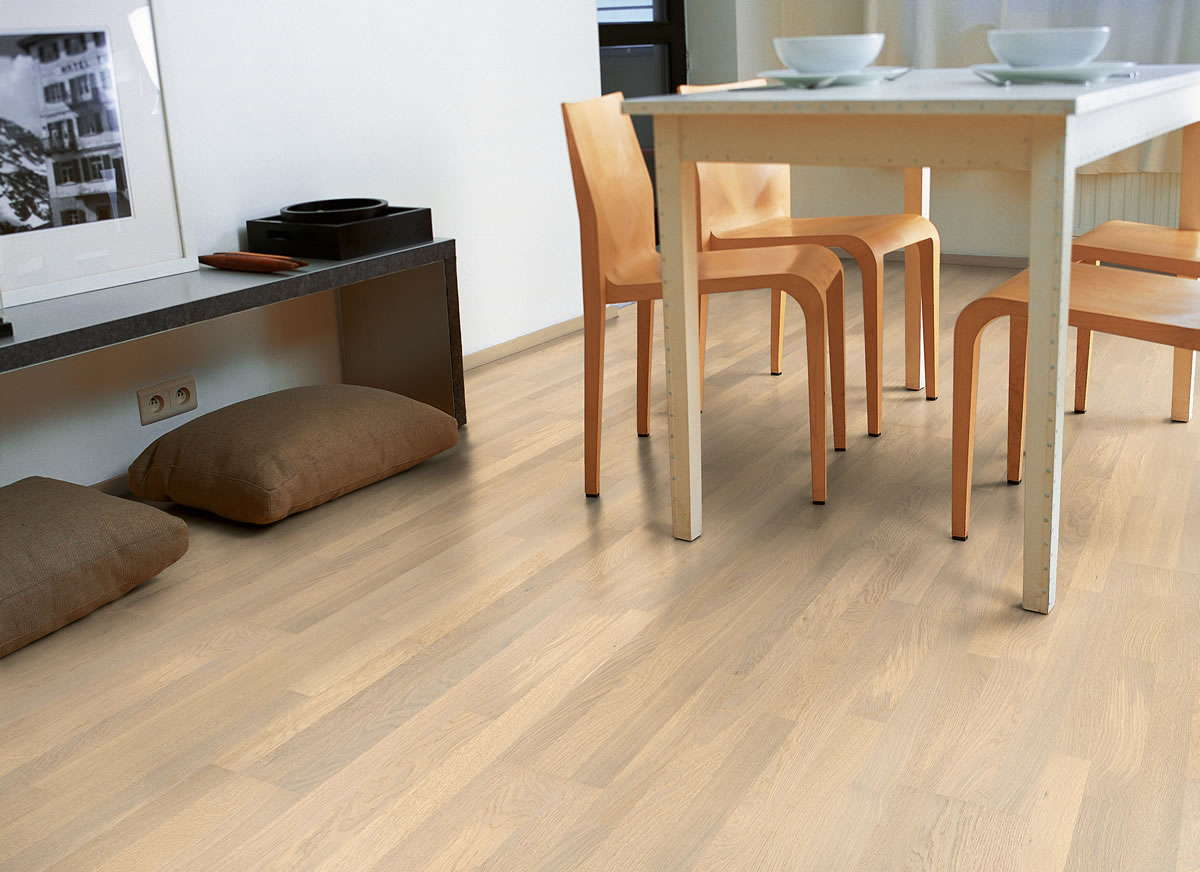 quickstep villa polar oak matt vil1359ls engineered wood flooring. Black Bedroom Furniture Sets. Home Design Ideas