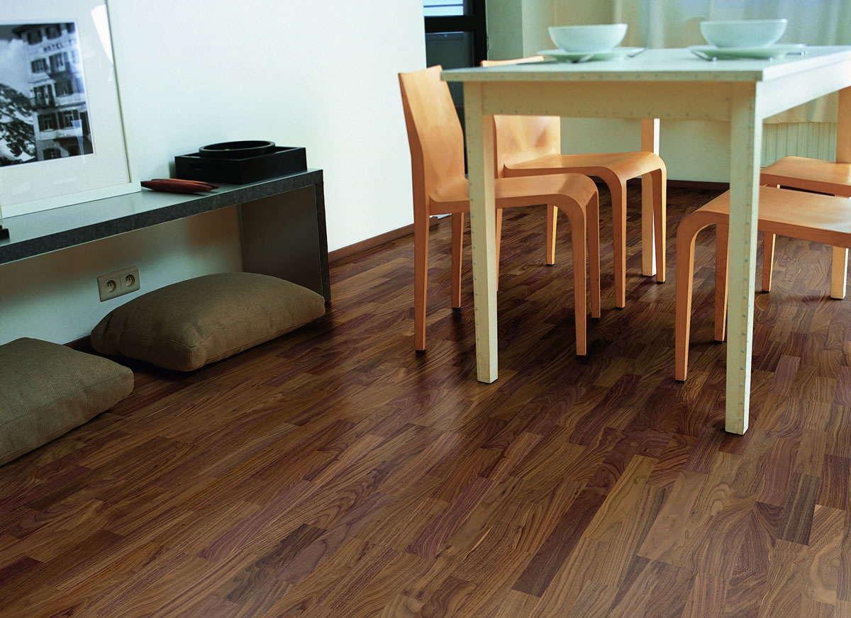 Quickstep villa walnut satin vil1368s engineered wood flooring for Quickstep flooring uk