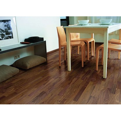 Quickstep Villa Walnut Satin VIL1368 Engineered Wood Flooring