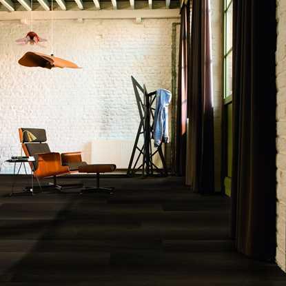 Quickstep Perspective Fumed Oak Dark UFW1540 Laminate Flooring