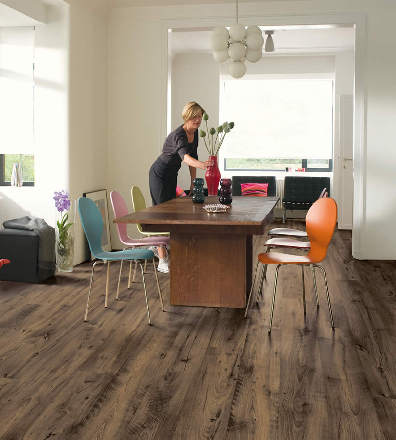 Quickstep Eligna Reclaimed Chestnut Brown Uw1544 Laminate